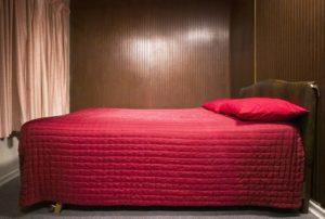 Bett bauen